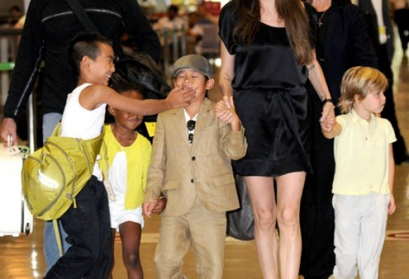 Джоли и дети
