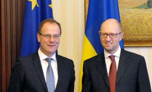Яценюк и коммисар ЕС