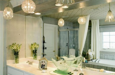 create-a-clean-bathroom-with-the-right-suspension-light-21