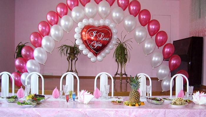 Как украсить к свадьбе зал