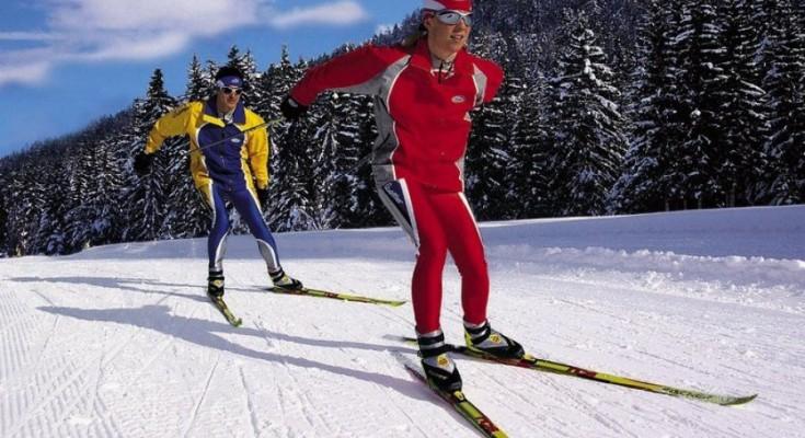 Напевно кожен любитель зимових видом спорту і розваг замислювався над  покупкою лиж. Але їх таке розмаїття a44e77455f96e