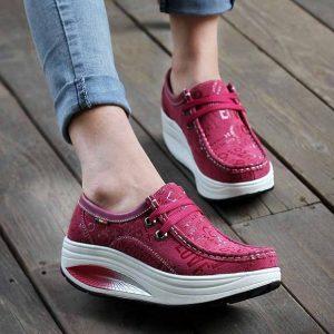 Як вибрати якісні жіночі кросівки і кеди 7ea843c23c155
