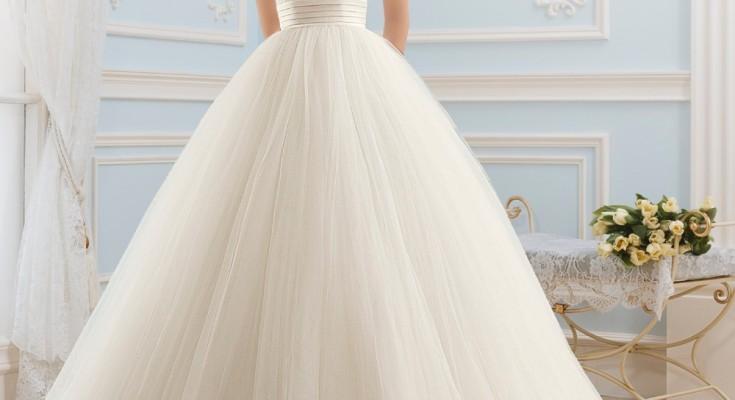 38cf58ce6dee9b Кожна дівчина мріє бути нареченою і в свій день виглядати як справжня  принцеса, а в цьому їй допоможуть правильно підібране весільну сукню та  аксесуари.
